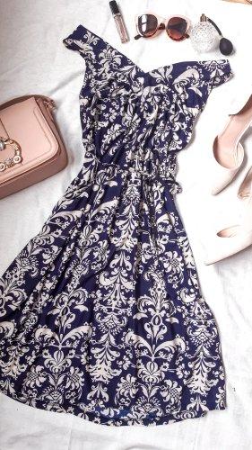 Süßes Sommerkleid mit Ornamenten Muster kurz