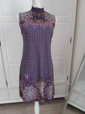 süßes Sommerkleid v. COMMA ohne Arm, lila m. Muster u. Blumen, 38
