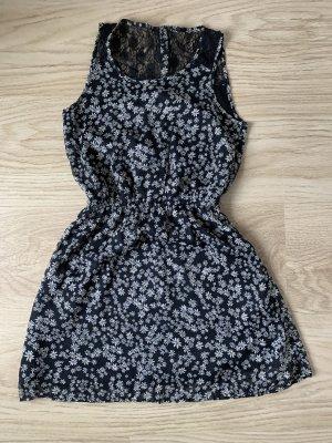 Süßes Sommerkleid wie Neu