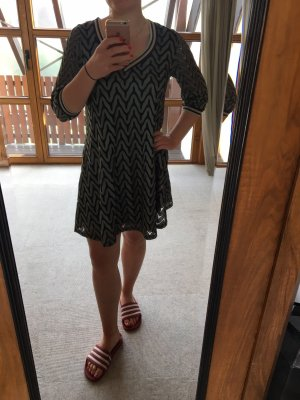 Süßes Strick-Kleid
