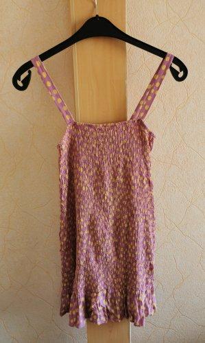Süßes Trägerkleid mit Punkten