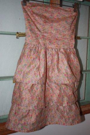 Süßes ungetragenes Kleidchen von Sessun