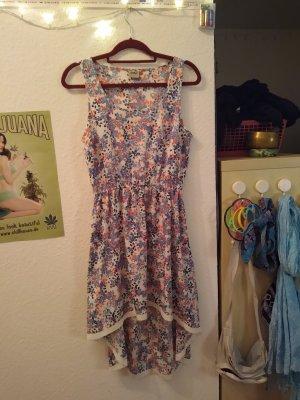 Süßes Vokuhila Kleid mit Blumen