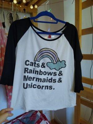 Süßes, weiches Langarmshirt mit Regenbogen