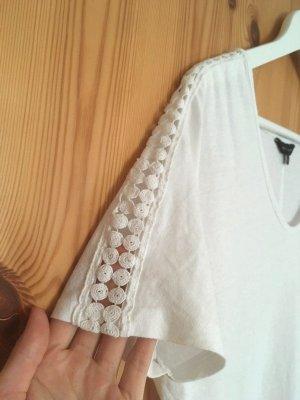 Süßes weißes Shirt mit Häkelei an den Ärmeln von New Look