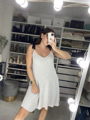 Süßes Zara Strickkleid grau mit Schleifen