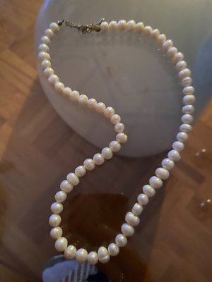 Collana di perle bianco-crema