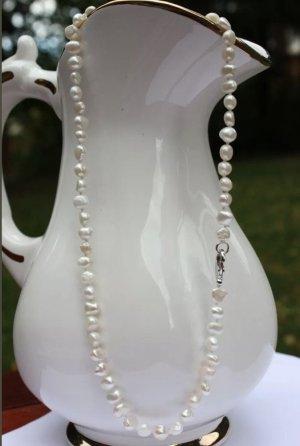 Collar estilo collier blanco-blanco puro