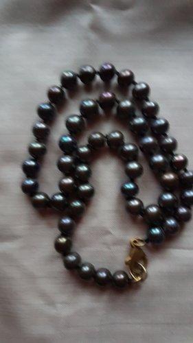 Pearl Necklace dark grey