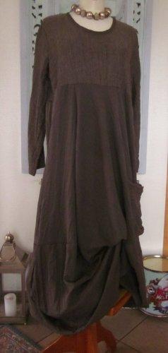 Sukienka z rękawem balonowym jasnobrązowy-piaskowy brąz