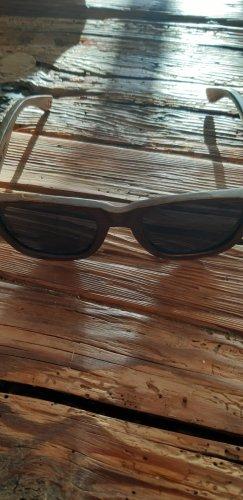 Super Brille  aus Bambus Holz der Marken. Wooden Shade super Glas