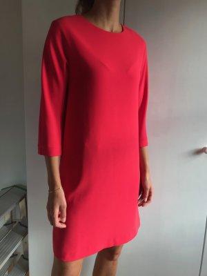 super Business Dress in leichtem O-Shape
