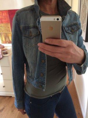 Super kurze Jeansjacke