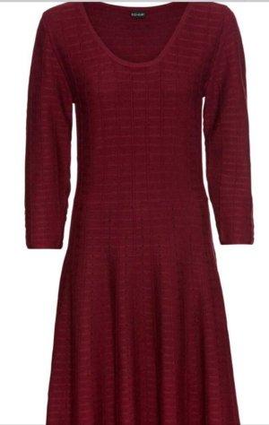 Super schickes weinrotes Kleid