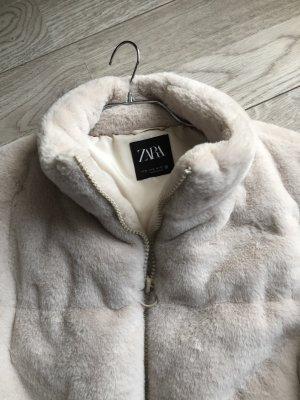 Super schöne Kuscheljacke von Zara