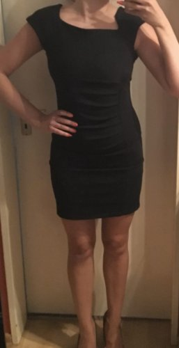Super schönes elegantes Kleid in schwarz  Gr.S, Neu.