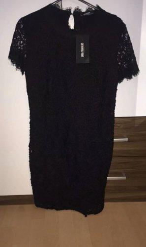 Super schönes elegantes Kleid in schwarz mit schönen Details Gr.S. Zara. Neu.