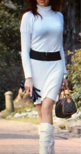 Super schönes Kleid in weiß Gr. S Neu