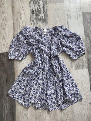 Super schönes Kleid mit Muster