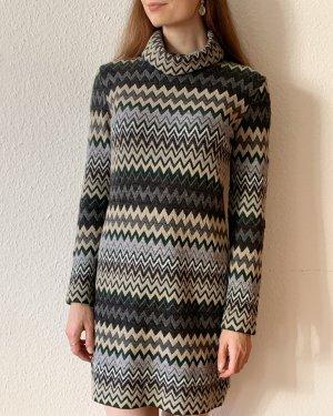 Super schönes Vintagekleid/ Winterkleid mit Zick Zack Muster aus Wollmix- Made in Italy S/M