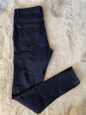 Super Skinny Fit Jeans - Medium Waist