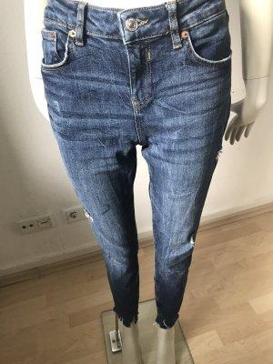 Super Stylische Jeanshose zu verkaufen