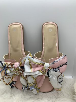Sandały plażowe różany