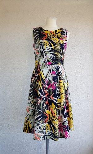 Super süßes Kleid mit Muster von Jessica in Gr. 36