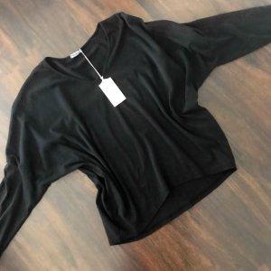 Super toll geschnittenes schwarzes langärmeliges Shirt...