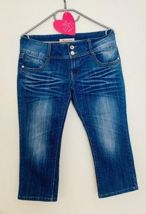 Super tolle Caprihose Jeans Jeanscaprihose mit Waschungen Denim Größe 40 Stretch wie neu