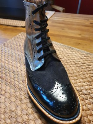 Superchicke Boots