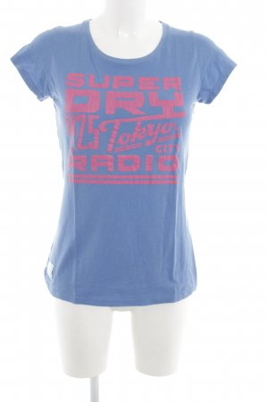 Superdry T-Shirt blau-pink Motivdruck Casual-Look