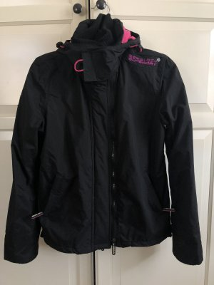 Superdry Cortaviento negro-rosa