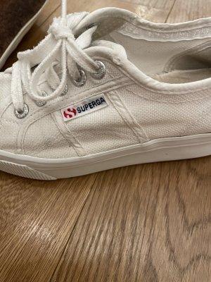 Superga Basket à lacet beige clair