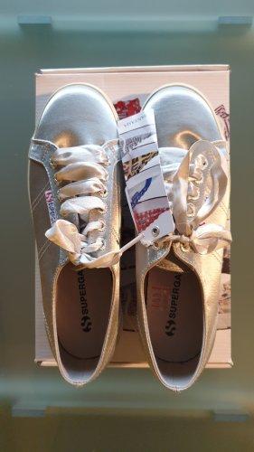 SUPERGA Sneaker silber mit flachem Pateau