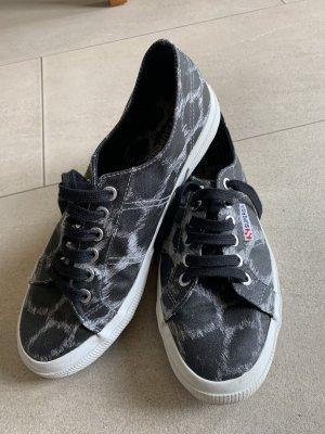 Superga Sneaker Turnschuh Leolook Gr. 40