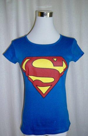 Supergirl Shirt Gr S wie neu Superman Superwoman