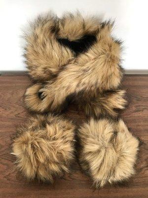 ◉ Superkuschelig! Fake Fur Schal mit passenden Pulswärmern ◉