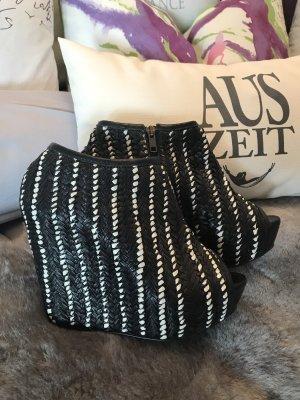 Superschöne ausgefallene Stiefeletten mit Keilabsatz * aus echtem Leder * Peeptoe * schwarz-weiß