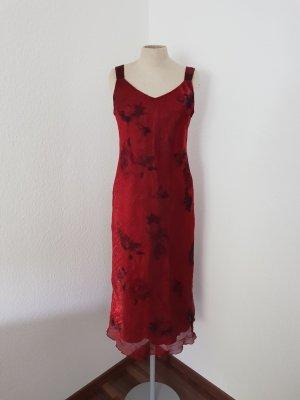 Falda estilo lápiz negro-rojo oscuro