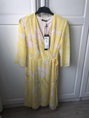 Superschönes Kleid in Gelb Gr. 38 *Neu*