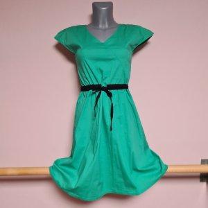 superschönes Kleid Pier One XS 34 grün A-Linie bezaubernder Rücken