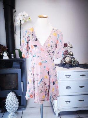 Supersüßes Sommerkleid von Asos Gr 36 Sommer Kleid Midi Midikleid Blumen Blumenkleid apricot rose Wickelkleid romantisch verspielt