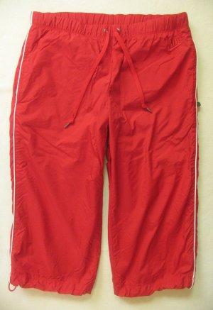 Supertolle 3/4 Sporthose, Capri, Trainingshose von NIKE in rot, Größe DE 36