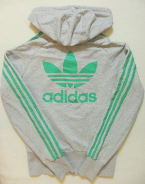 Supertolle Vintage Sweat-Kapuzen-Jacke von ADIDAS, grau mit grün, großer Trefoil Druck hinten, Größe Small, DE 36