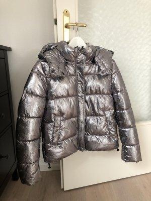 Superwarme & wunderschöne Jacke von ZARA