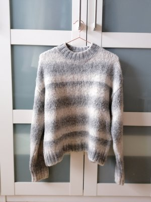 Superweicher Pullover gestreift