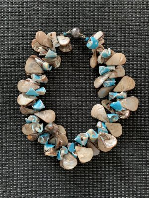 Susanne Kitz Shell Necklace light blue-oatmeal
