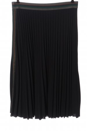 SuZa Pleated Skirt black casual look