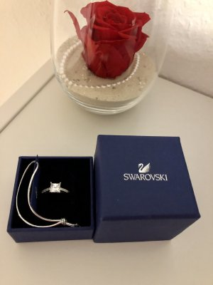 Swarovski Zdobiony pierścionek srebrny-biały